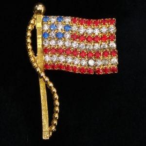 VINTAGE GoldTone Pave Rhinestone American Flag Pin